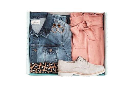 KISURA schickt Kleidungsboxen